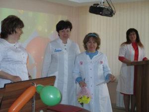 Награждение медицинской сестры ЛДО Л.И. Рожковой