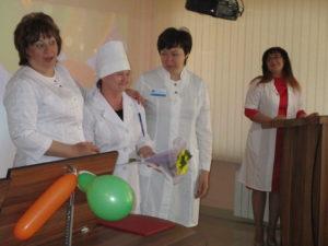 Награждение медицинской сестры палатной ОЛТ №1 Е.Г. Рудь