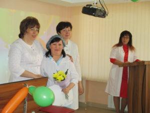 Награждение медицинской сестры процедурной ОЛТ №1 К.С. Тюленовой