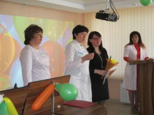 Награждение старшей медицинской сестры ДДО О.С. Герман