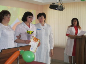 Награждение старшей медицинской сестры ДО №3 В.И. Шерер