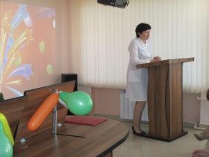 Поздравительное слово от администрации - зам. главного врача по КЭР Ю.А. Животенко